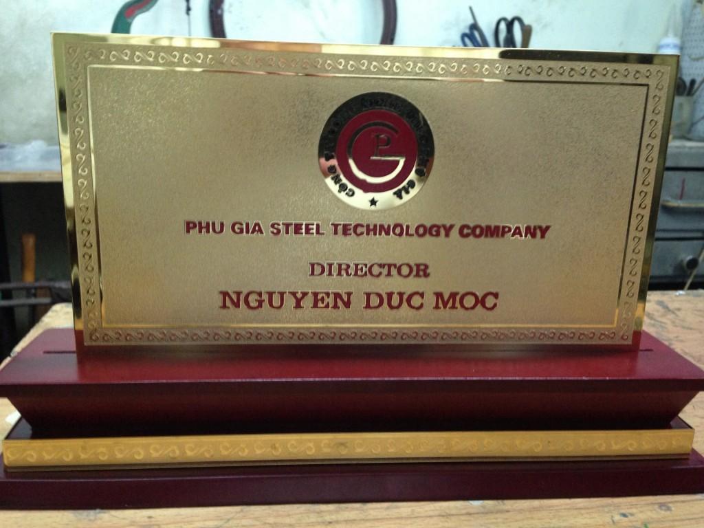 Công ty thiết kế bảng hiệu Inox