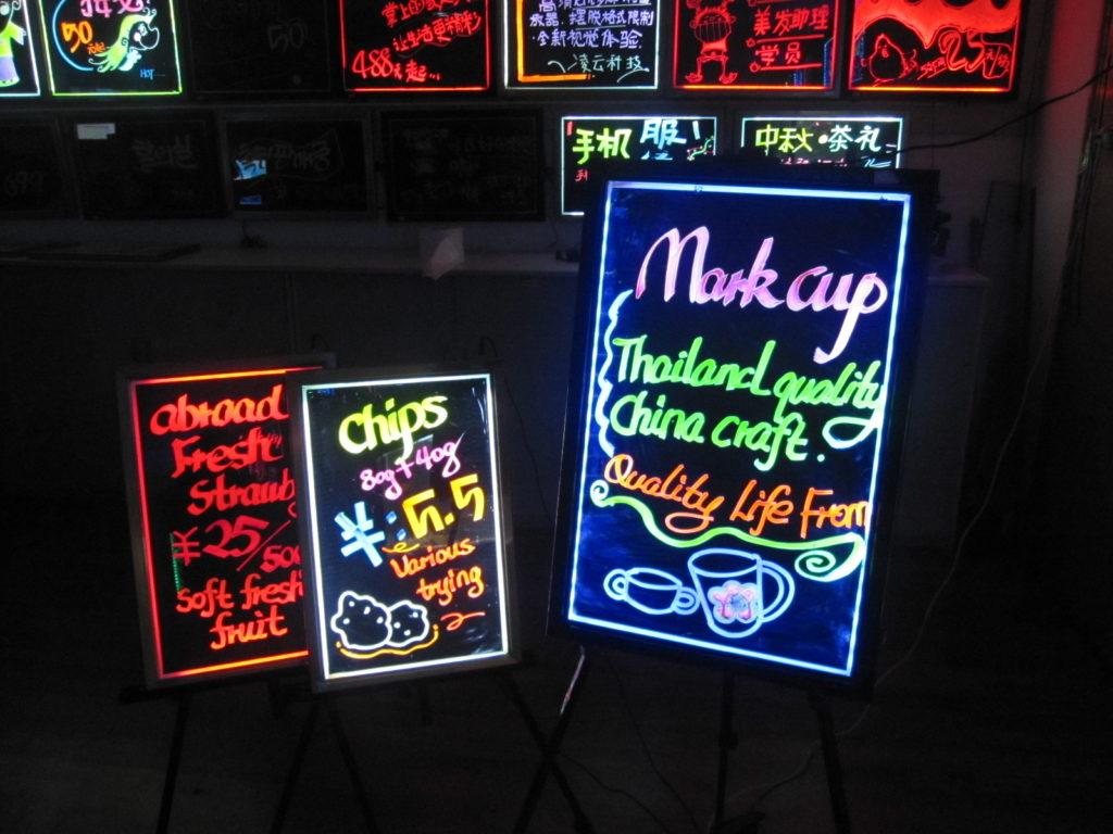 Dịch vụ thiết kế biển quảng cáo đèn Led